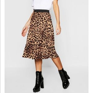 XS Petite Leopard Pleated Mini Skirt